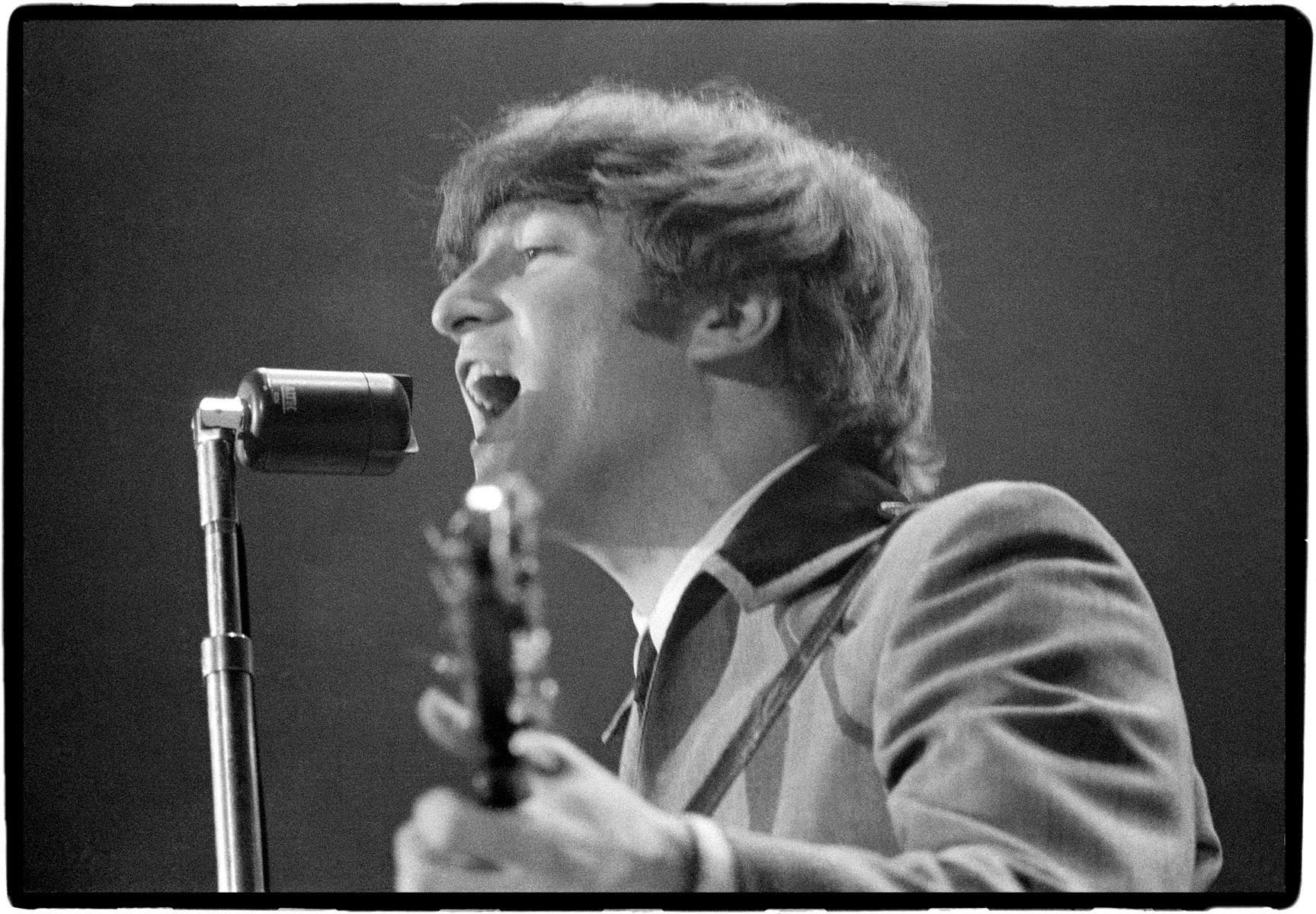 「john lennon beatles concert」の画像検索結果