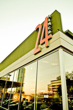 24 Diner Austin TX - Jesse Knish Photography