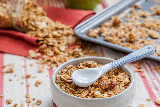 hommade apple pie granola