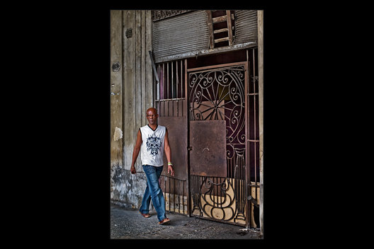 man walking, Havana