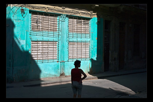 watching the street, Havana