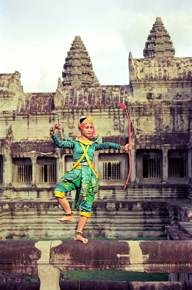 Cambodia, Traditional Khmer dance at Angkor Wat, Siem Reap