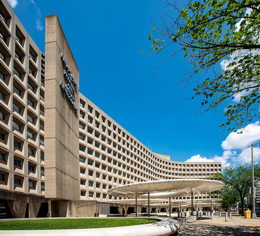 Dept. of Housing and Urban Development  -  451 7th St., SW,  Washington,  DC  -  Marcel Breuer, architect  -  1968