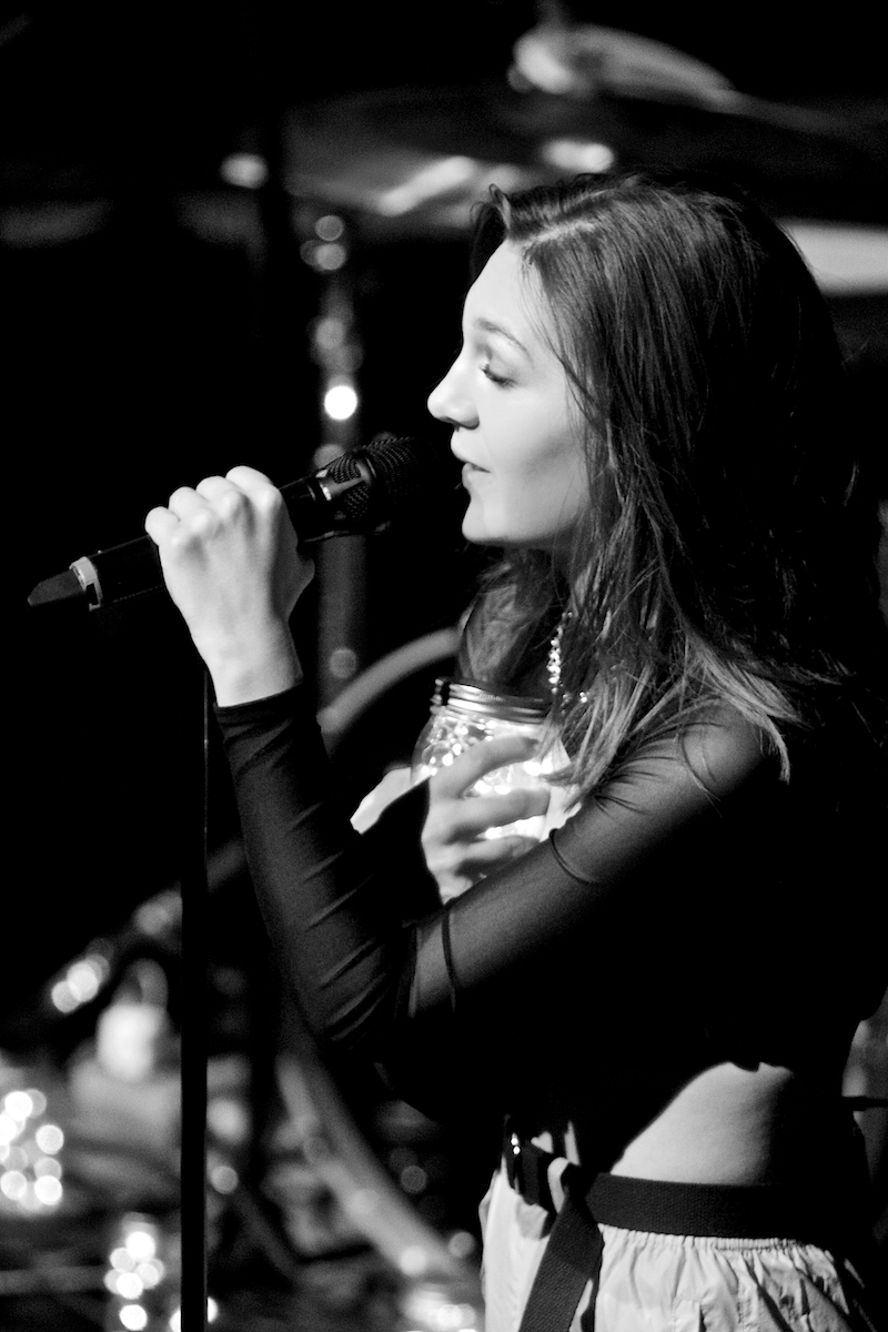 Whitney Woerz Playstaion Theater New York, NY January 21, 2018  DerekBrad.com