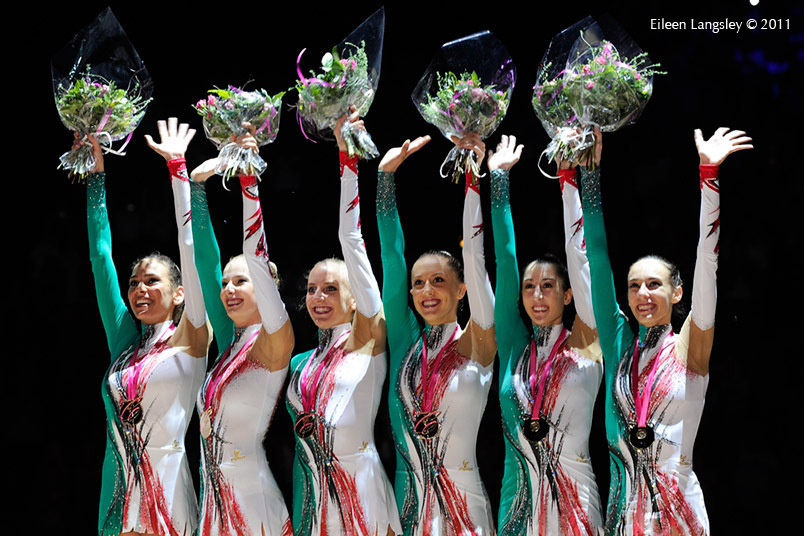 The group from Italy win the gold medal at the World Rhythmic Gymnastics Championships in Montpellier.