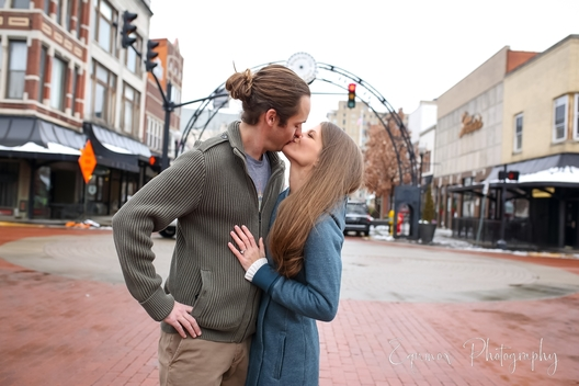 downtown evansville in engagement session