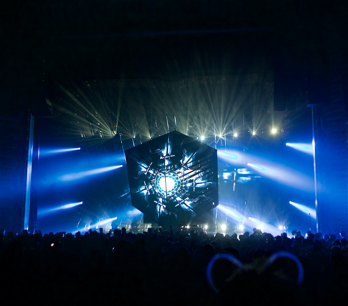 deadmau5 Cube v3 Tour with LIGHTS The Met Philadelphia, Pa January 23, 2020  DerekBrad.com