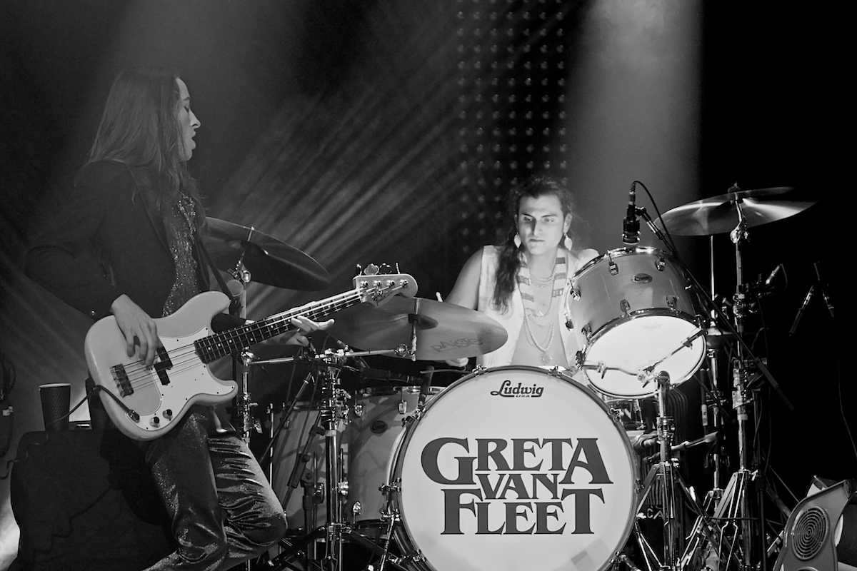 Greta Van Fleet March of the Peaceful Army The Met Philadelphia, Pa December 30, 2019  DerekBrad.com
