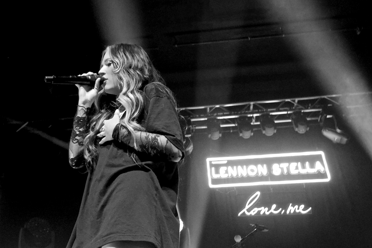 Lennon Stella Love Me Tour TLA (Sold Out) Philadelphia, Pa March 25, 2019  DerekBrad.com