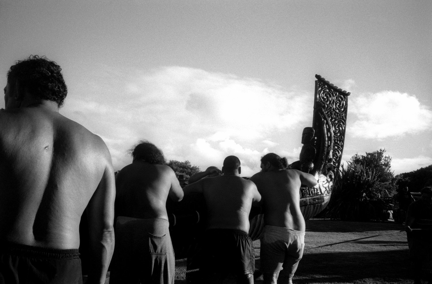 ©Tamara Voninski. Maori men prepare for a traditional waka, war canoe, near Waitangi, New Zealand.  In 2005, the New Zealand government passed the controversial Seabed and Foreshore legislation to prevent Maori from claiming exclusive ownership of New Zealand2019s resource rich coastline and seabed. The Maori traditionally see themselves as caretakers of the land and coastline.  The Maori population is approximately 530,000 of four million New Zealanders.