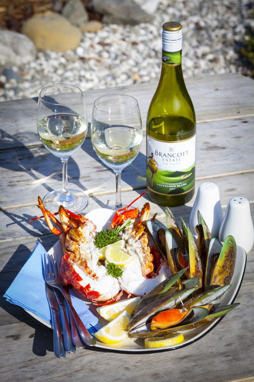 Crayfish, mussels & Marlborough Sauvignon Blanc, Kaikoura, South Island, New Zealand