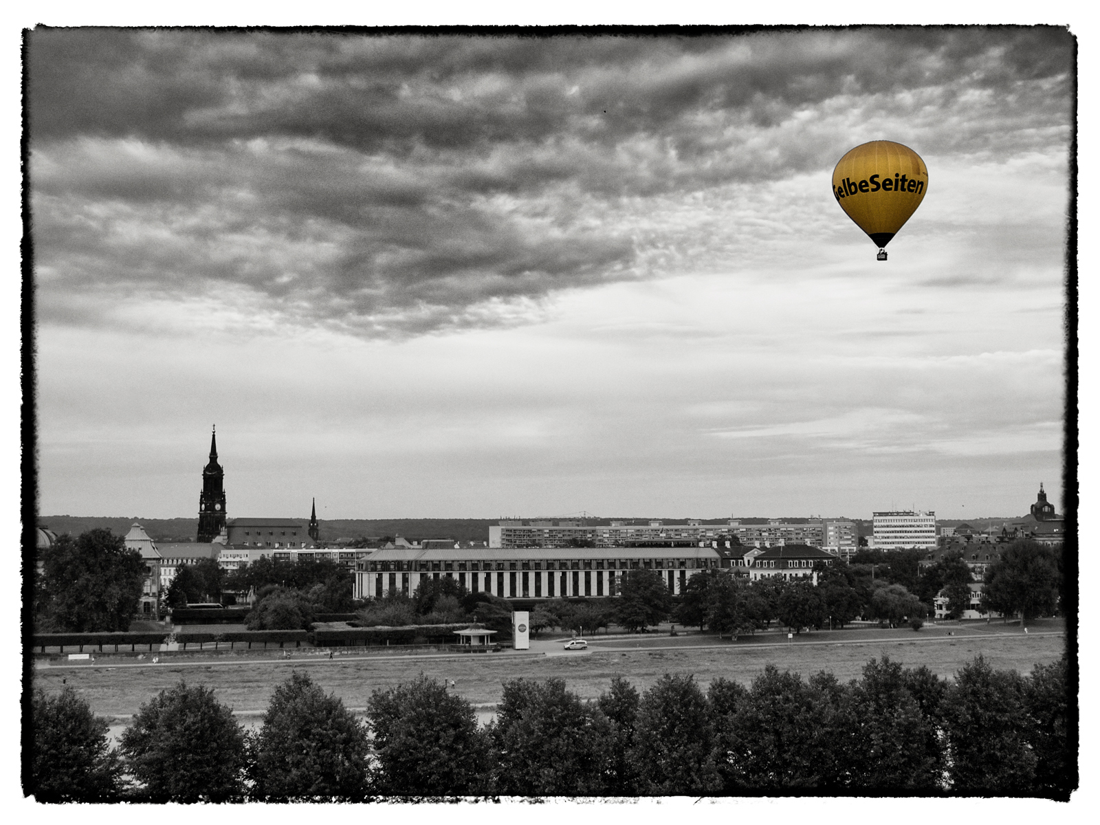 Yellow Balloon, Dresden, Germany