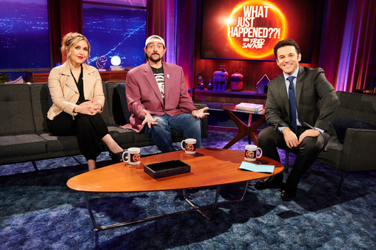 "WHAT JUST HAPPENED??! WITH FRED SAVAGE: L-R: Co-host Taylor Tomlinson, guest star Kevin Smith and host Fred Savage behind the scenes in the ""Spoiler"" episode of WHAT JUST HAPPENED??! WITH FRED SAVAGE airing Sunday, July 7 (9:30-10:00 PM ET/PT) on FOX. 2019 Fox Media LLC CR: John P Fleenor/FOX"
