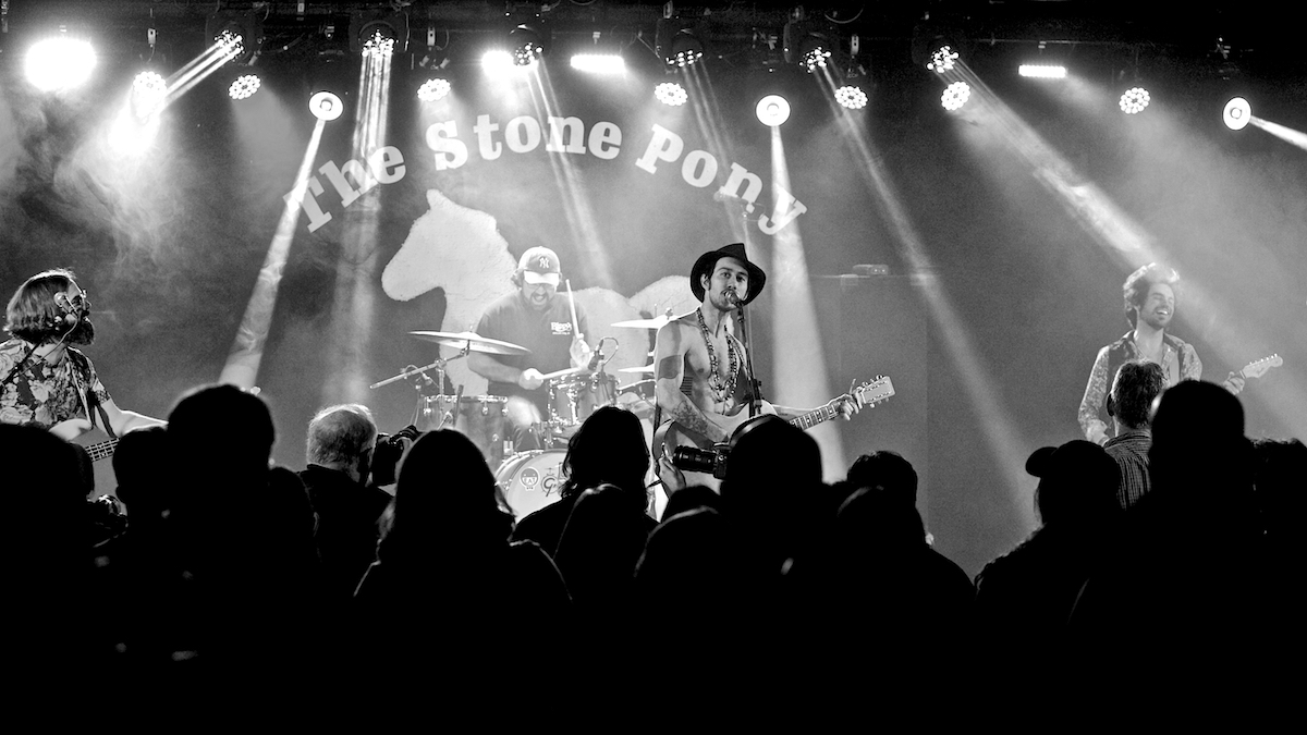 Levy & The Oaks The Stone Pony Asbury Park, NJ April 6, 2019  DerekBrad.com