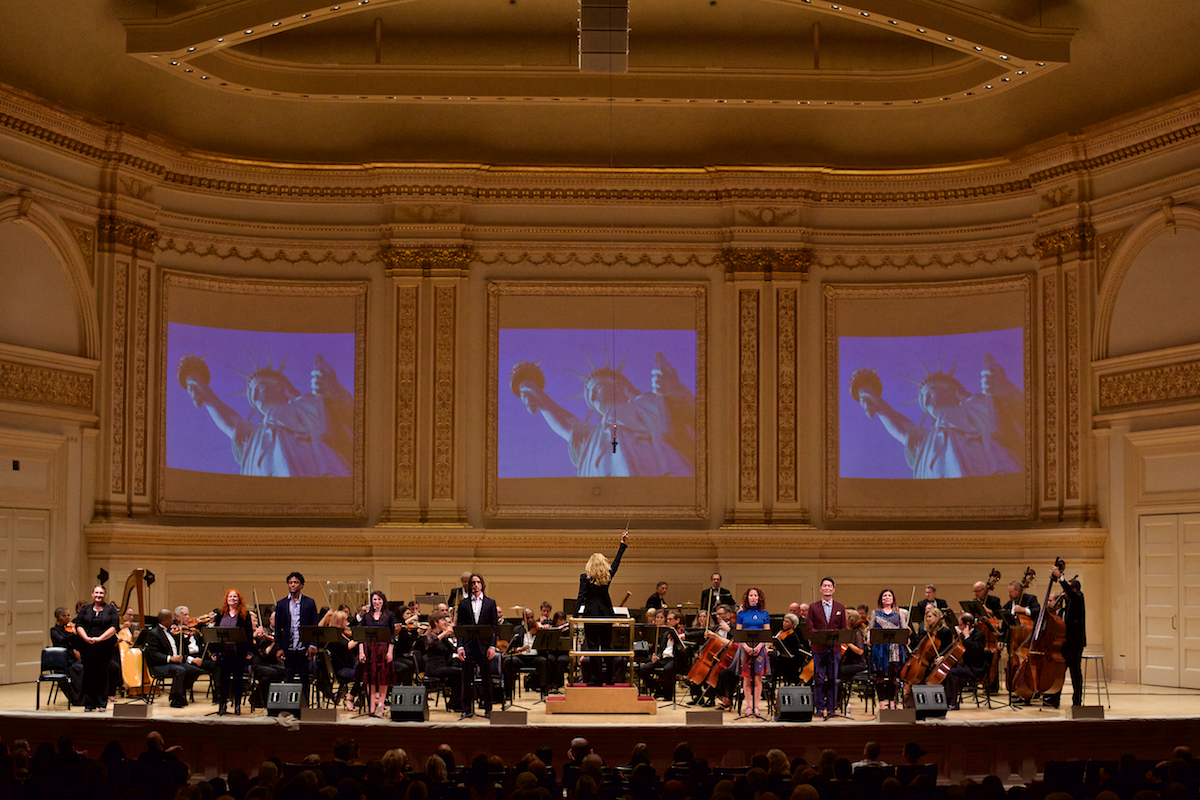 Orchestra Moderne NYC Music Director Amy Andersson The Journey To America: From Repression to Freedom Carnegie Hall New York, NY  DerekBrad.com