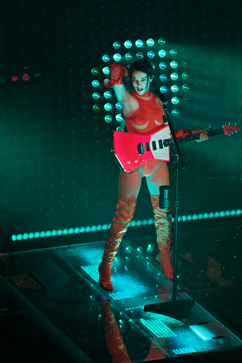 St. Vincent I Am A Lot Like You Tour The Queen (Sold Out) Wilmington, DE May 25, 2018  DerekBrad.com