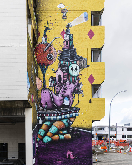 #streetart found in #tauranga done by @jacobyikes. Very #drseuss