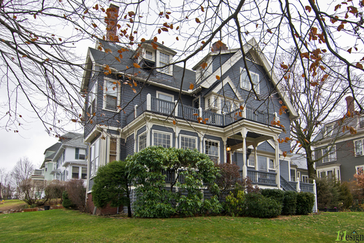 A period renovation to a vintage Queen Anne ship captain's home in the Carruth neighborhood of Dorchester. With the original integrity of this 130 year old home intact, a few major updates breathe new life into this charming residence.