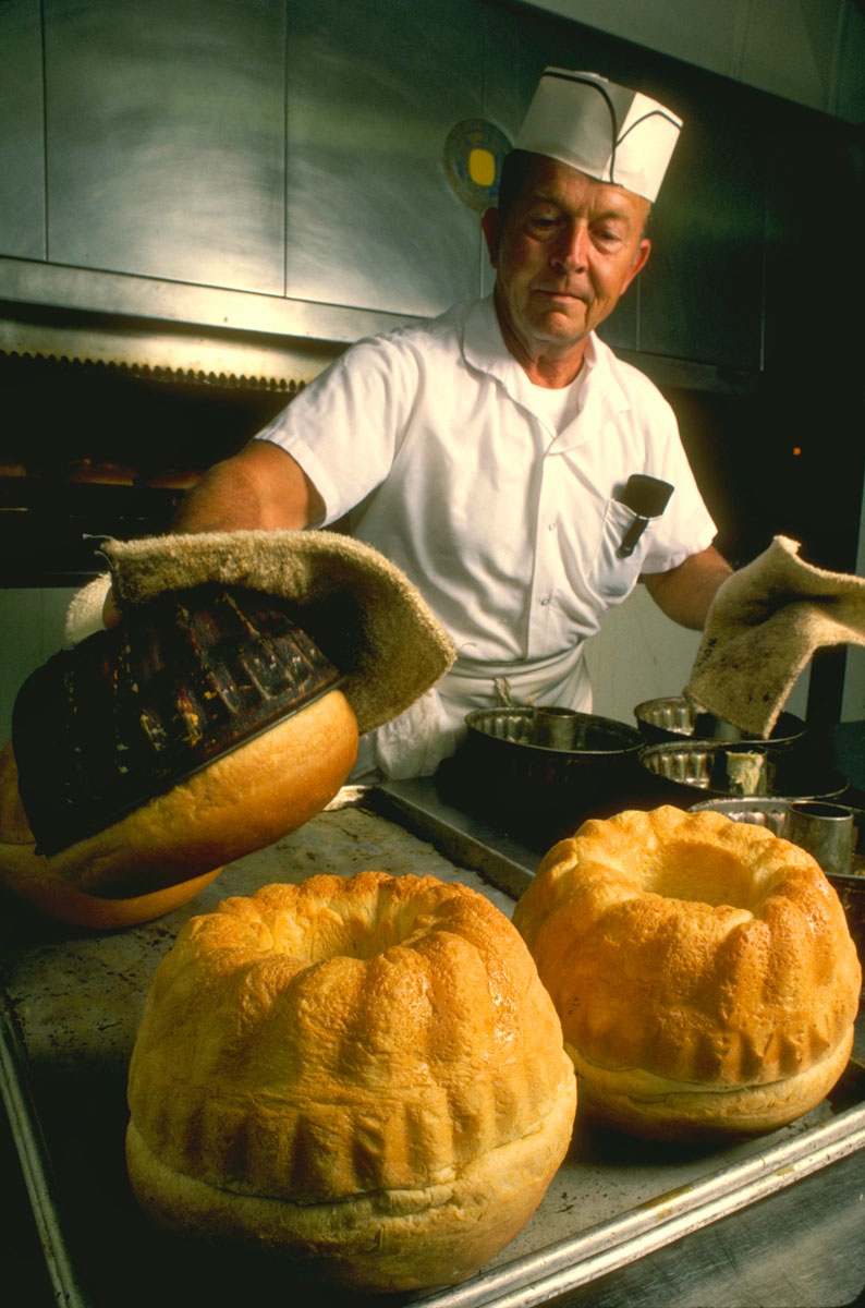 Breadbaker, Colonial Williamsburg, VA