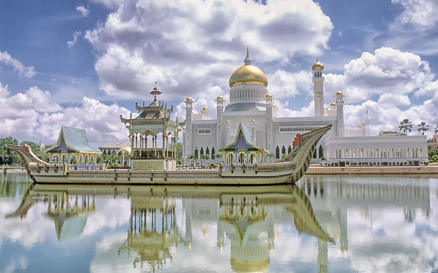 Omar Ali Saifuddien Mosque, Bandar Seri Begawan, the capital of the Sultanate of Brunei. Completed in 1958, this mosque is a wonderful example of modern Islamic architecture; it is recognized as one of the most beautiful mosques in the Asia Pacific region. It is truly awesome!