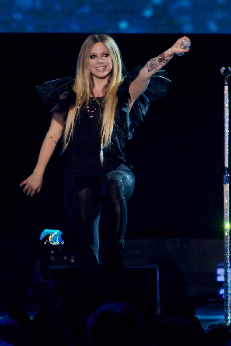 Avril Lavigne Head Above Water Tour Xcite Center (Sold Out) Bensalem, Pa October 11, 2019  DerekBrad.com