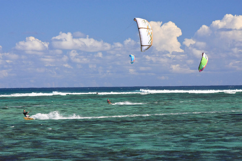 Kitesurfing at La Morne.