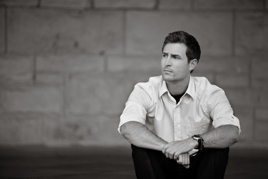 Black and white editorial portrait of casual man by commercial photographer Nancy Rothstein