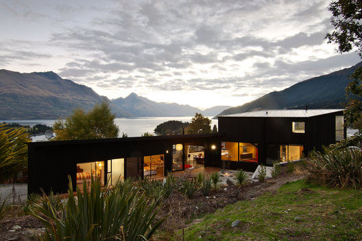 A courtyard is created to the north of the house