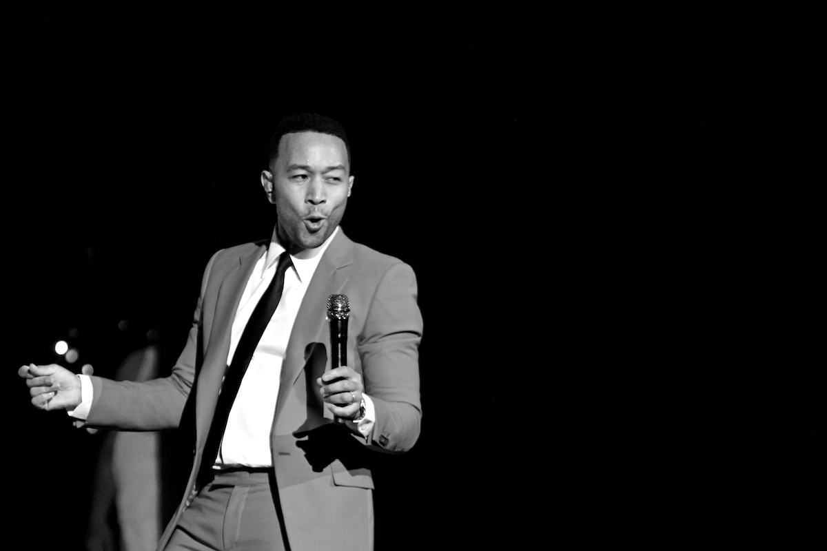 John Legend A Legendary Christmas Tour The Met Philadelphia, Pa December 4, 2018  DerekBrad.com