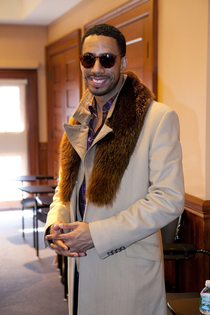 "Harvard Law School s Black Law Student Association (BLSA) and The Hip Hop Entertainment Law Project (HHELP) hosted mini-music seminar ""The Bizness behind The Business!"" featuring musics Renaissance man, Ryan Leslie."