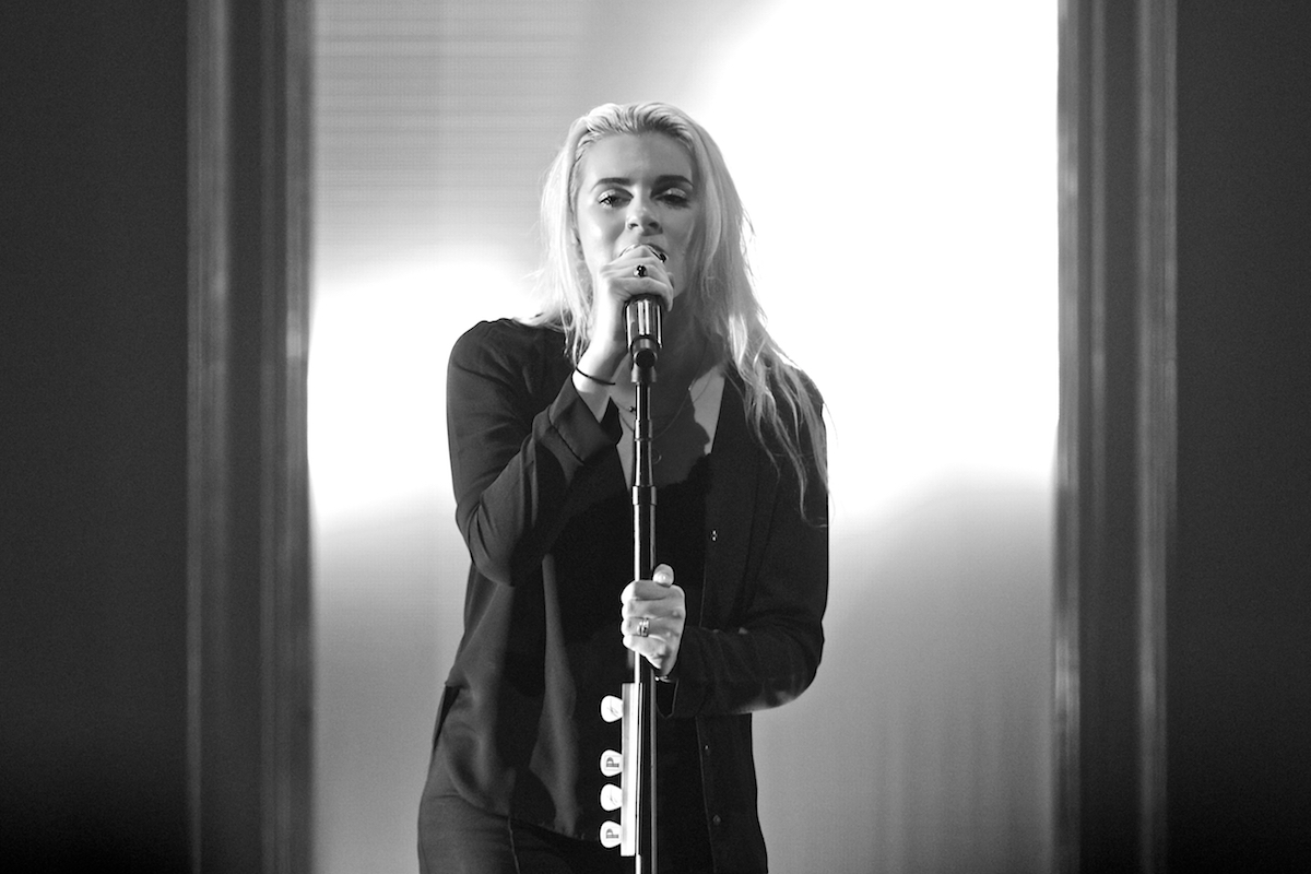 PVRIS Electric Factory Philadelphia, Pa October 8, 2017  DerekBrad.com