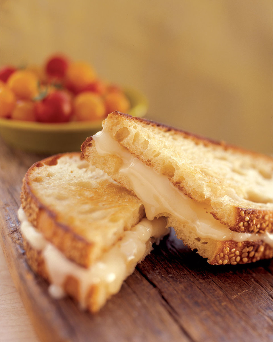 dripping grilled cheese, food stylist, food photography