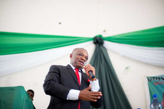 Kalu speaks to inspire students at the University of Nigeria in Enugu. As former governor of Abia State and founder of SLOK holdings Kalu is well regarded throughout the country.