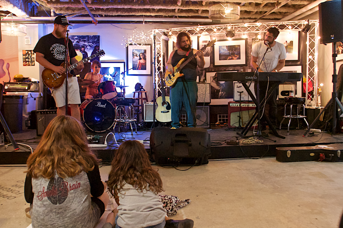 Make Music Asbury Park Featured Artist: aMBe, Dolltits, Radiator King, Cranston Dean Band, Rachel Ana Dobken Surprise Guest: David Keenan Danny Clinch Transparent Gallery Asbury Park, NJ June 21, 2018  DerekBrad.com
