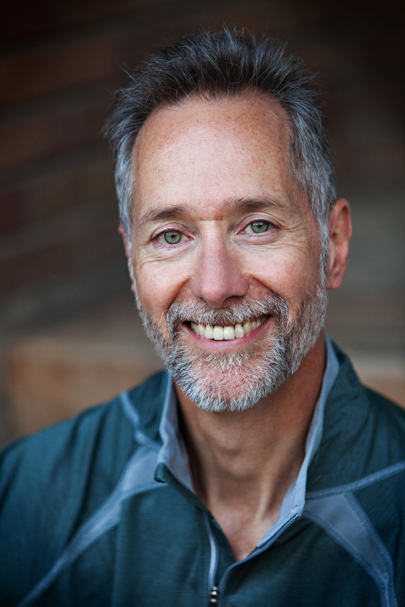 Editorial headshot of casual male with beard by commercial photographer Nancy Rothstein